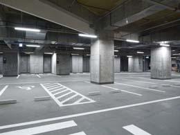 駐車場8台完備