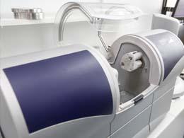 セレックシステムによる歯科治療